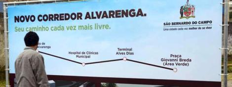 Faixa exclusiva para ônibus vai da Praça Giovanni Breda às proximidades da Rodovia dos Imigrantes e deverá reduzir tempo de viagem em até 40%